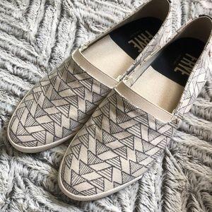 Frye canvas shoes size 7.5